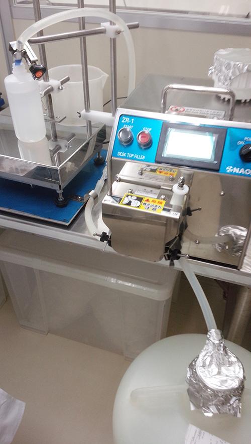 ローラポンプ型計量充填機